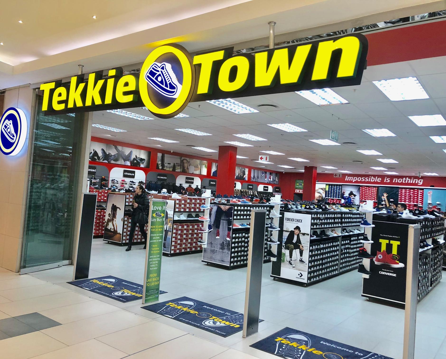 TEKKIE TOWN SALES 21
